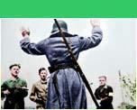 Duitser wordt door verzetsmensen opgebracht in Lochem
